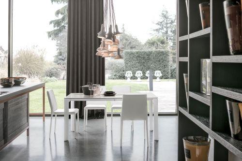 Tavolo allungabile Saturno in finitura Bianco e Carrara L 110