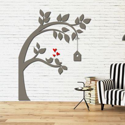 Decorazione in legno albero con casetta legno tortora
