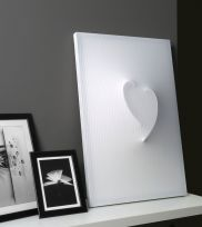 NEBU Cuore, lampada da tavolo o da appendere disegnata da Leonardo Criolani