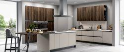 Cucina Moderna Rewind con isola personalizzata
