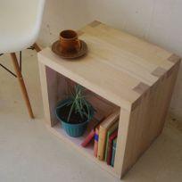 Cubo tavolino  in legno massello 45x45x45cm