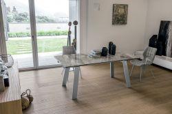 Tavolo allungabile Giove in finitura Arabescato con struttura in metallo L 180