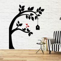 Decorazione in legno albero con casetta legno nero