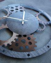 Orologio in ferro rustico